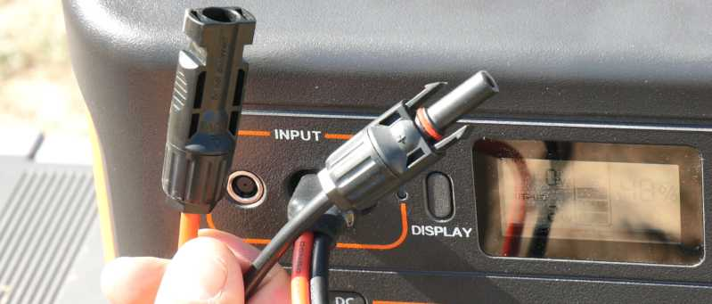 RVWITHTITO - MC4 Adapter for Jackery Explorer 1000